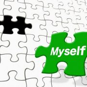 パズルのピースに「myself」の文字